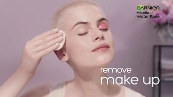 Garnier SkinActive Water Rose Micellar Cleansing Water TV Spot, 'Magnet: Full Range' - Thumbnail 6