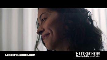Los Defensores TV Spot, 'Un descuido' con Jorge Jarrín, Jaime Jarrín [Spanish] - Thumbnail 5