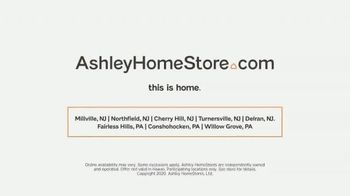 Ashley HomeStore Presidents Day Mattress Sale TV Spot, 'Free Gift' Song by Midnight Riot - Thumbnail 8