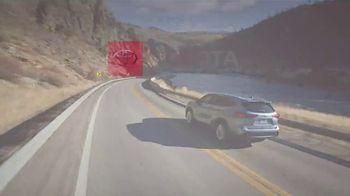 Toyota TV Spot, 'Western Washington Road Trip: ToyotaCare' Featuring Danielle Demski, Ethan Erickson [T2] - Thumbnail 9