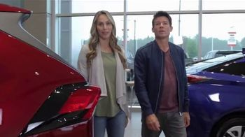 Toyota TV Spot, 'Western Washington Road Trip: ToyotaCare' Featuring Danielle Demski, Ethan Erickson [T2] - Thumbnail 6