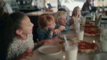 American Express TV Spot, 'Shop Small: Pizza Shop' Featuring Lin-Manuel Miranda - Thumbnail 8