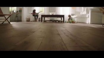 Lumber Liquidators Winter Sale TV Spot, 'Change Everything' Song by Electric Banana - Thumbnail 3