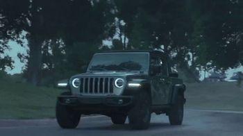 Jeep Evento Día de los Presidentes TV Spot, 'Las calles no tienen la culpa' canción de Sam Tinnesz [Spanish] [T2]