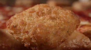 Pizza Hut Mozzarella Poppers Pizza TV Spot, 'Appetizer + Pizza' - Thumbnail 2