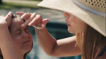 Blue Lizard Sunscreen TV Spot, 'Sesame Street' - Thumbnail 3