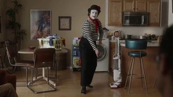 GEICO Renters Insurance TV Spot, 'A Mime Helps with the Chores' - Thumbnail 3