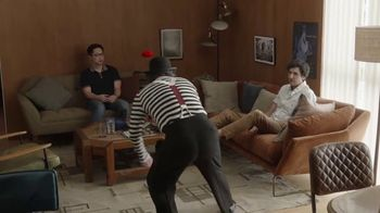 GEICO Renters Insurance TV Spot, 'A Mime Helps with the Chores' - Thumbnail 6