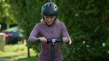 Enterprise TV Spot, 'Entourage' Featuring Kristen Bell - Thumbnail 3