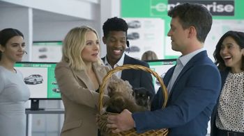 Enterprise TV Spot, 'Entourage' Featuring Kristen Bell - Thumbnail 9