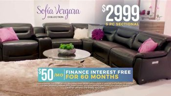 Rooms to Go Holiday Sale TV Spot, 'Sofia Vergara Collection: Leather Sectional' - Thumbnail 8