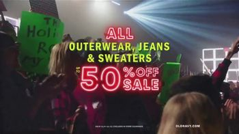 Old Navy TV Spot, 'Old Navy Tonight: The Holidays Are Here!' Feat. Neil Patrick Harris, Gillian Jacobs - Thumbnail 7