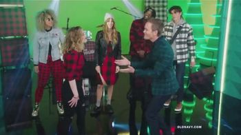 Old Navy TV Spot, 'Old Navy Tonight: The Holidays Are Here!' Feat. Neil Patrick Harris, Gillian Jacobs - Thumbnail 4
