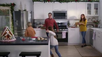 The Home Depot Black Friday Savings TV Spot, 'Right Away: Samsung Stainless Steel Kitchen Package' - Thumbnail 6