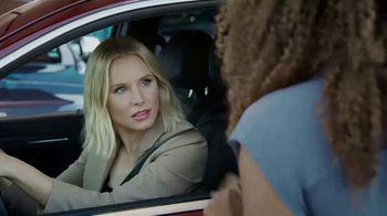 Enterprise Car Sales TV Spot, 'Kristen Bell (And a Surprise Guest) Buy From Enterprise Car Sales' - Thumbnail 3
