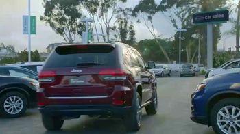 Enterprise Car Sales TV Spot, 'Kristen Bell (And a Surprise Guest) Buy From Enterprise Car Sales' - Thumbnail 7
