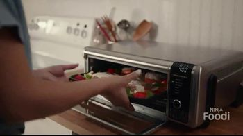 Ninja Foodi Digital Air Fry Oven TV Spot, 'Family-Sized Meals' - Thumbnail 3