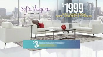 Rooms to Go Holiday Sale TV Spot, 'Leather Living Room' - Thumbnail 2