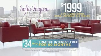 Rooms to Go Holiday Sale TV Spot, 'Leather Living Room' - Thumbnail 4