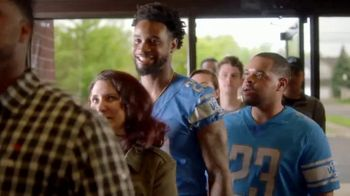 Hungry Howie's TV Spot, 'Flavor Fanatic' Featuring Darius Slay - Thumbnail 6