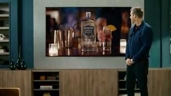 Samsung QLEDTV Black Friday TV Spot, 'A Commercial Within a Commercial' Ft. Ryan Reynolds - Thumbnail 4