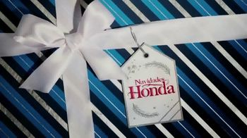 Honda El Evento Navidades Honda TV Spot, 'Desenvolver la alegría: Civic y Accord' [Spanish] [T2] - Thumbnail 1