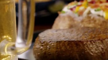 Outback Steakhouse Aussie 4-Course Meal TV Spot, 'Holidays: Gift Cards'