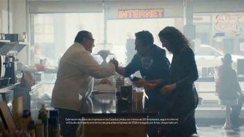 American Express TV Spot, 'Sábado de pequeñas empresas: comunidad' con Lin-Manuel Miranda [Spanish] - Thumbnail 6