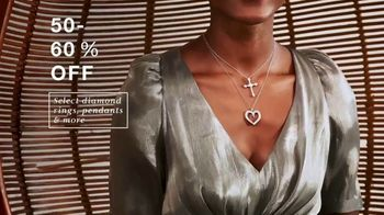 Macy's One Day Sale  TV Spot, 'So Low: Cookware, Comforters and Jewelry' - Thumbnail 9