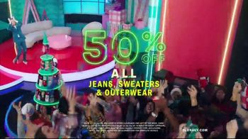 Old Navy TV Spot, 'Holiday Stress: 50 Percent Off' Featuring Neil Patrick Harris - Thumbnail 8