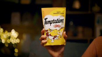 Temptations Cat Treats TV Spot, 'Holidays: All It Takes Is a Shake' - Thumbnail 1