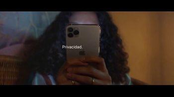 Apple iPhone TV Spot, 'Privacidad: así de sencillo' canción de Dustin O'Halloran [Spanish] - Thumbnail 8