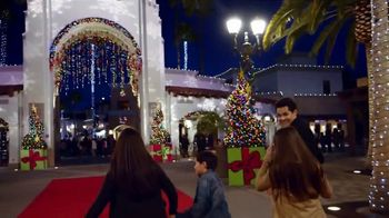 Universal Studios Hollywood TV Spot, 'Holidays' - Thumbnail 1