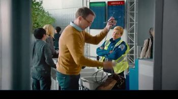 Samsung Galaxy Note10 TV Spot, 'Mobile Workspace Solutions: Airport Security' - Thumbnail 6
