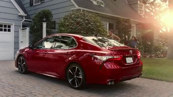 2020 Toyota Camry TV Spot, 'Morning Rush' Song by Grandtheft & Keys N Krates [T2] - Thumbnail 7