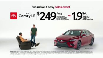 Toyota We Make It Easy Sales Event TV Spot, 'Chair' [T2] - Thumbnail 3