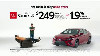 Toyota We Make It Easy Sales Event TV Spot, 'Chair' [T2] - Thumbnail 6