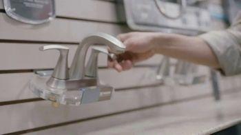 Lowe's Bath Savings Event TV Spot, 'Refreshing Bath Updates: Valspar Paint' - Thumbnail 2