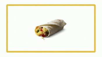 McDonald's Buy One Get One for $1 TV Spot, '¡Amor, vamos!' [Spanish] - Thumbnail 2