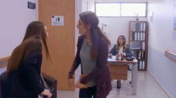 T-Mobile TV Spot, 'Univision: Rubi' [In-Show Integration] [Spanish] - Thumbnail 7