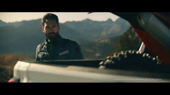 GMC Sierra TV Spot, 'Jaw Drop: Bear' [T1] - Thumbnail 2