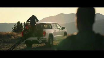 GMC Sierra TV Spot, 'Jaw Drop: Bear' [T1] - Thumbnail 3