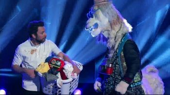 Tide POWER PODS TV Spot, 'Is Now Later: The Masked Singer' Featuring Charlie Day - Thumbnail 4