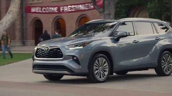 Toyota Highlander TV Spot, 'Allies' [T1] - Thumbnail 8