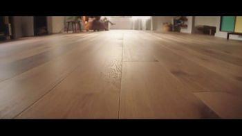 Lumber Liquidators TV Spot, 'Bellawood: $1 off per Square Foot' Song by Electric Banana - Thumbnail 3
