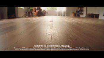 Lumber Liquidators TV Spot, 'Bellawood: $1 off per Square Foot' Song by Electric Banana - Thumbnail 4