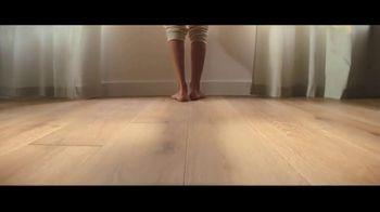 Lumber Liquidators TV Spot, 'Bellawood: $1 off per Square Foot' Song by Electric Banana - Thumbnail 8