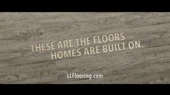 Lumber Liquidators TV Spot, 'Transform Your Home: Bellawood and Vinyl' Song by Electric Banana - Thumbnail 10