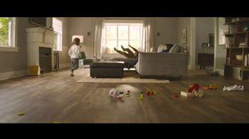Lumber Liquidators TV Spot, 'Transform Your Home: Bellawood and Vinyl' Song by Electric Banana - Thumbnail 3