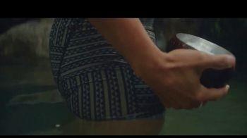 Manaola TV Spot, 'Hawaiian Fashion' - Thumbnail 5